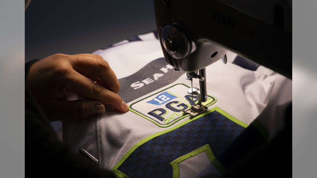8ce4a1e57 Seahawks Reveal Jersey Patch To Honor Paul Allen