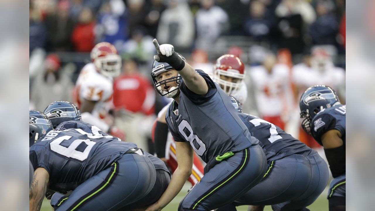 Seattle Seahawks quarterback Matt Hasselbeck in action against the Kansas  City Chiefs in the second half 9cc3293cd