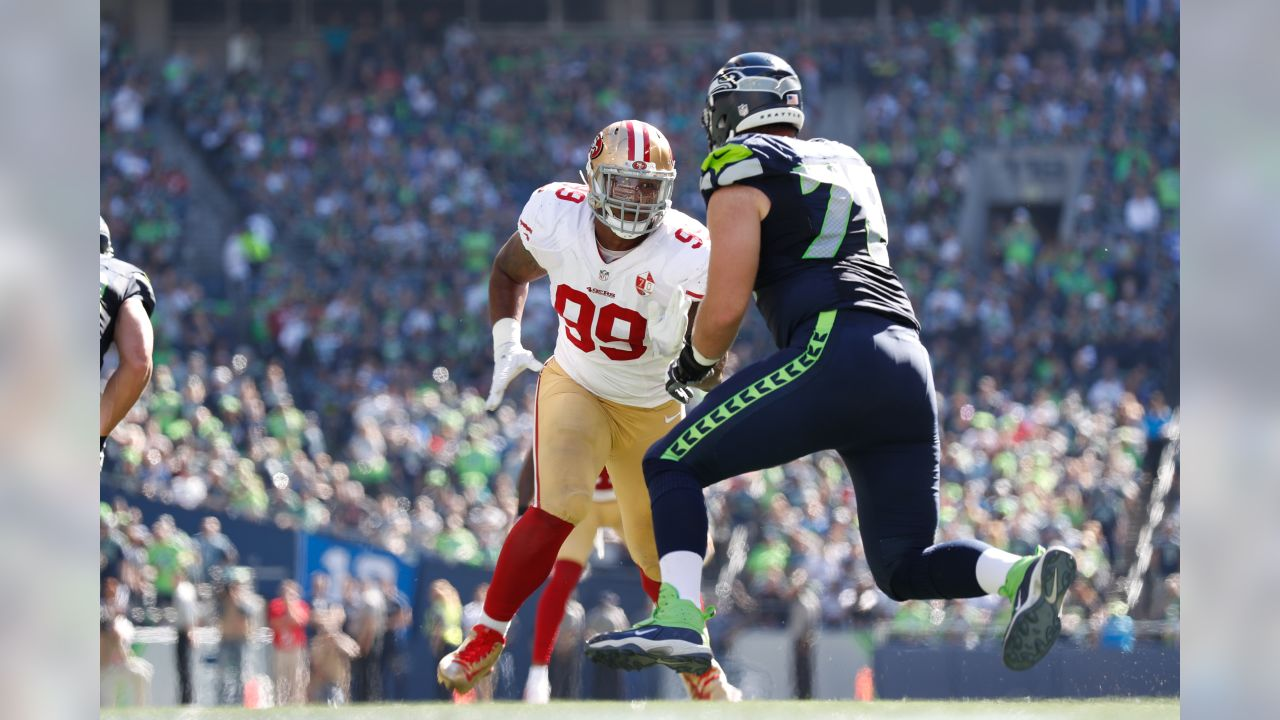 San Francisco 49ers defensive linemen DeForest Buckner (99) go up against  Bradley Sowell ( 1bb1cfcf9