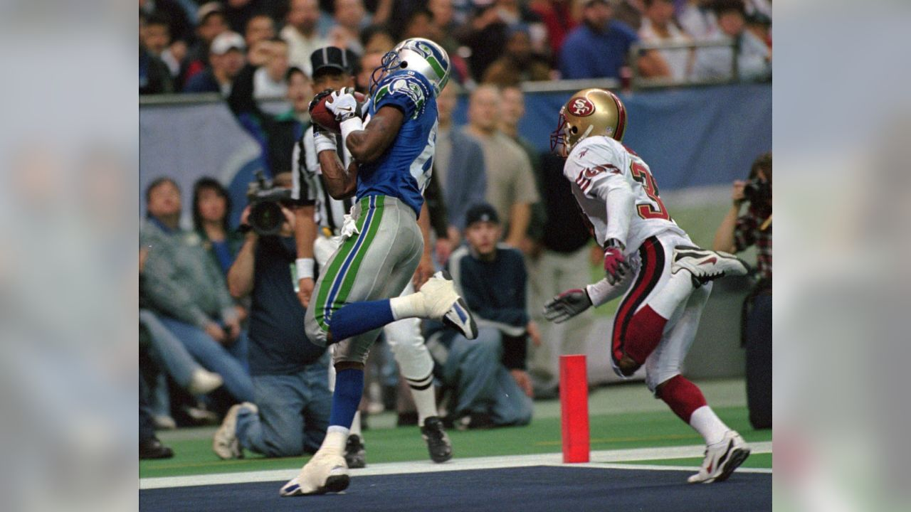 Seattle Seahawks wide receiver James McKnight (82) catches a 21-yard  touchdown pass 58c8e5f15