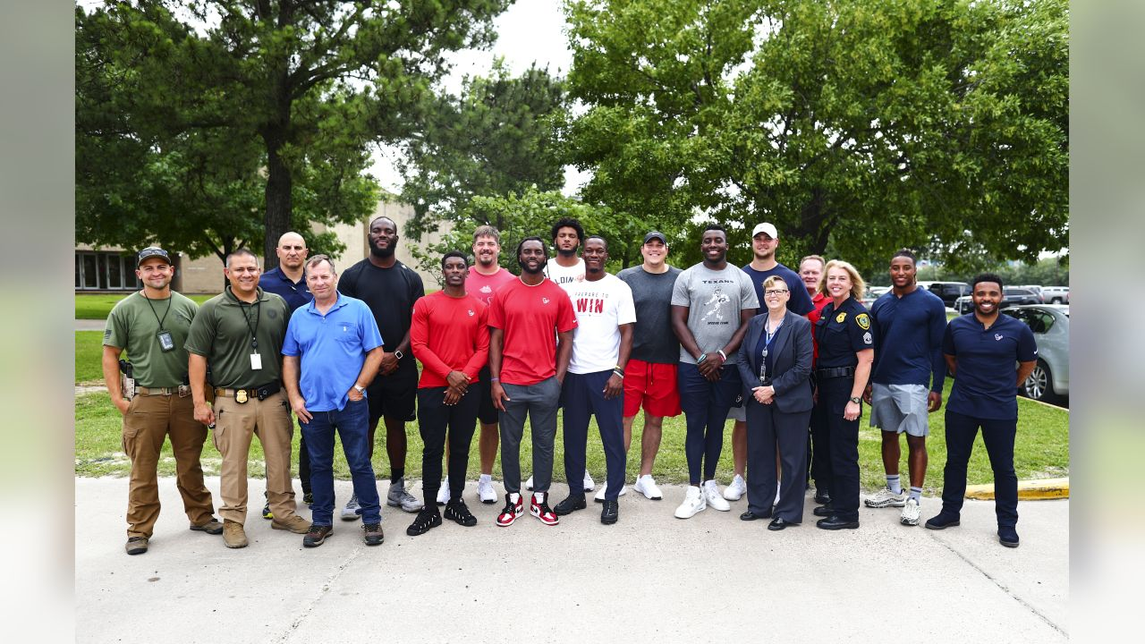 An image from the May 22, 2019 Texans community development event in which players visited the Houston Police Academy.