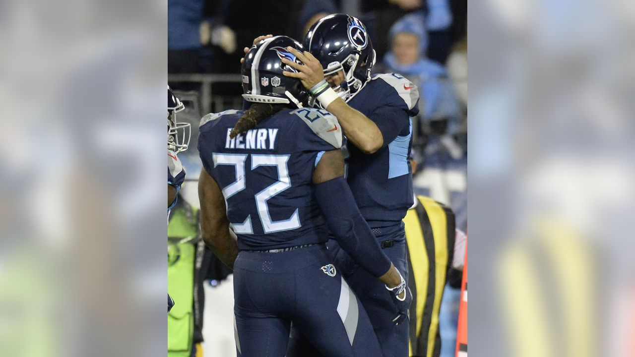 Tennessee Titans running back Derrick Henry (22) celebrates his touchdown  with Tennessee Titans quarterback c37b08c16