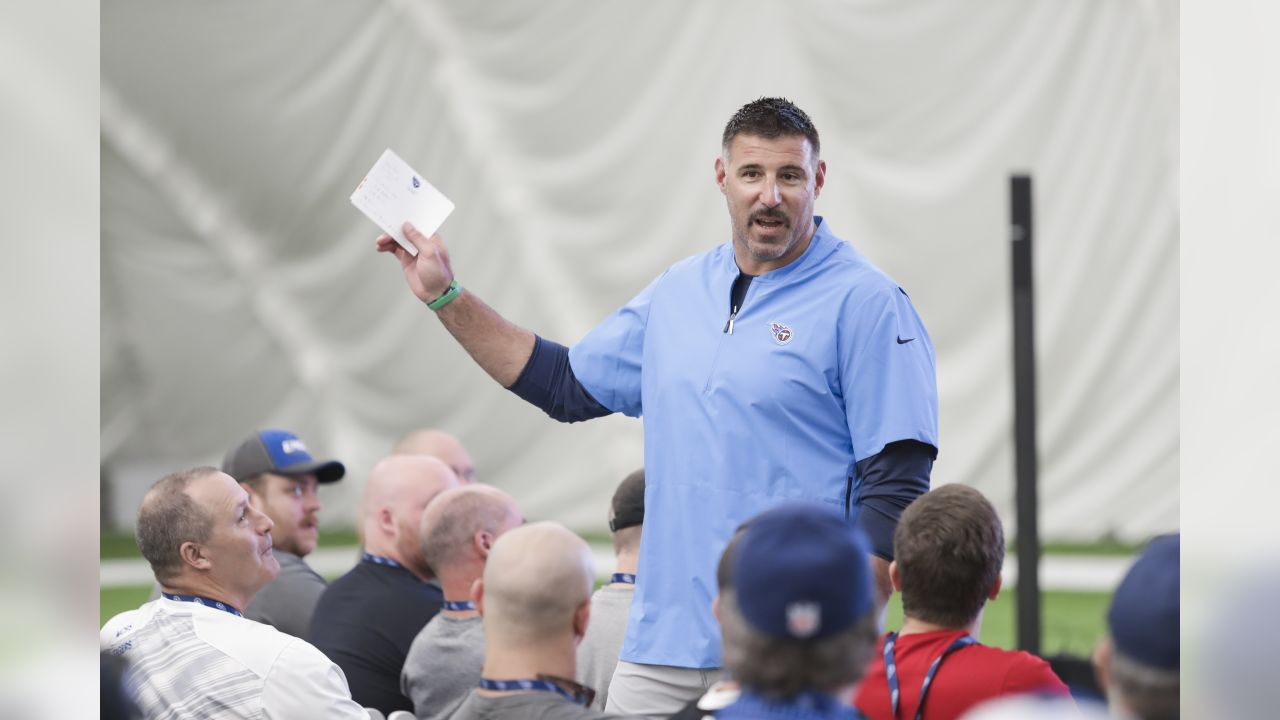 NASHVILLE, TN - JUNE 04, 2019 - head coach Mike Vrabel of Tennessee Titans speaks Coaching Clinic event in Nashville, TN. Photo By Donald Page/Tennessee Titans