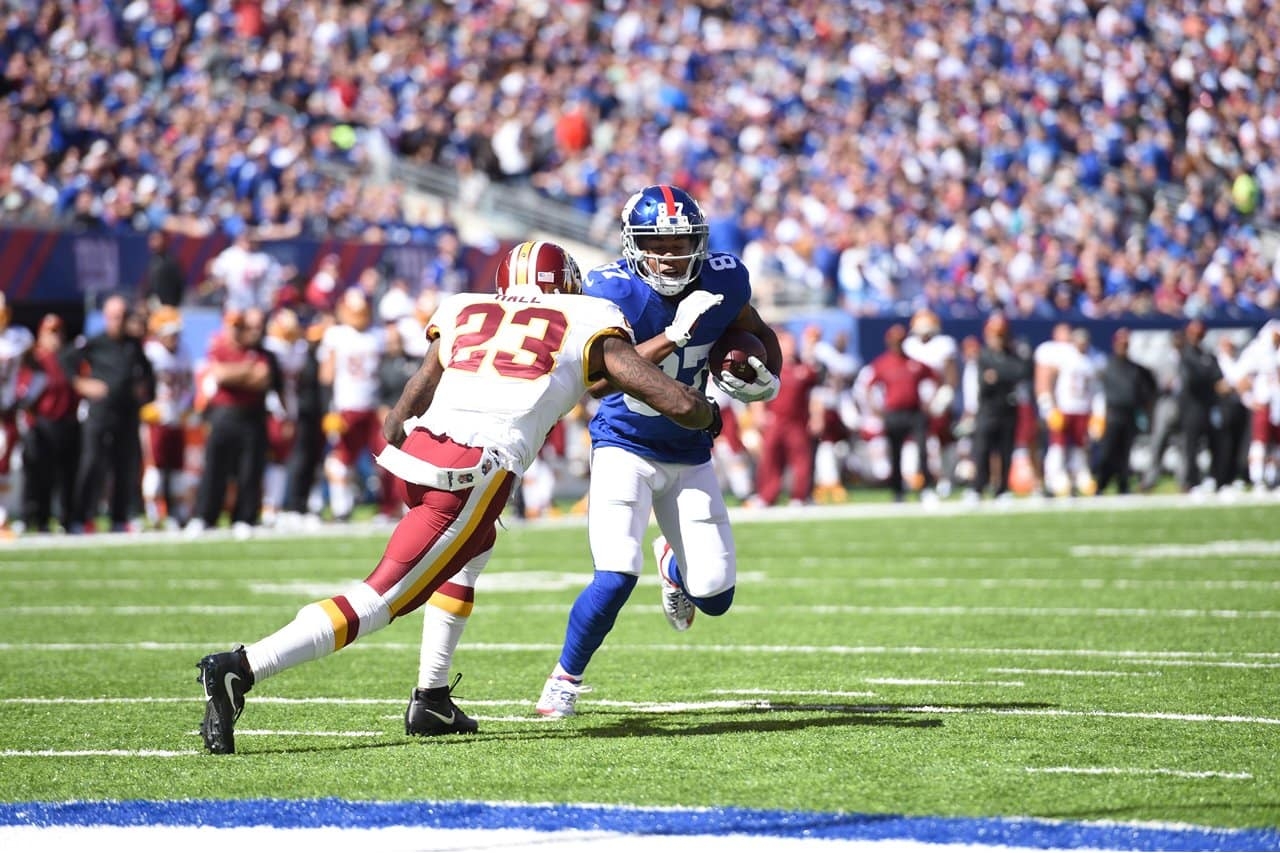 0104f669 From the sidelines: Giants vs. Redskins