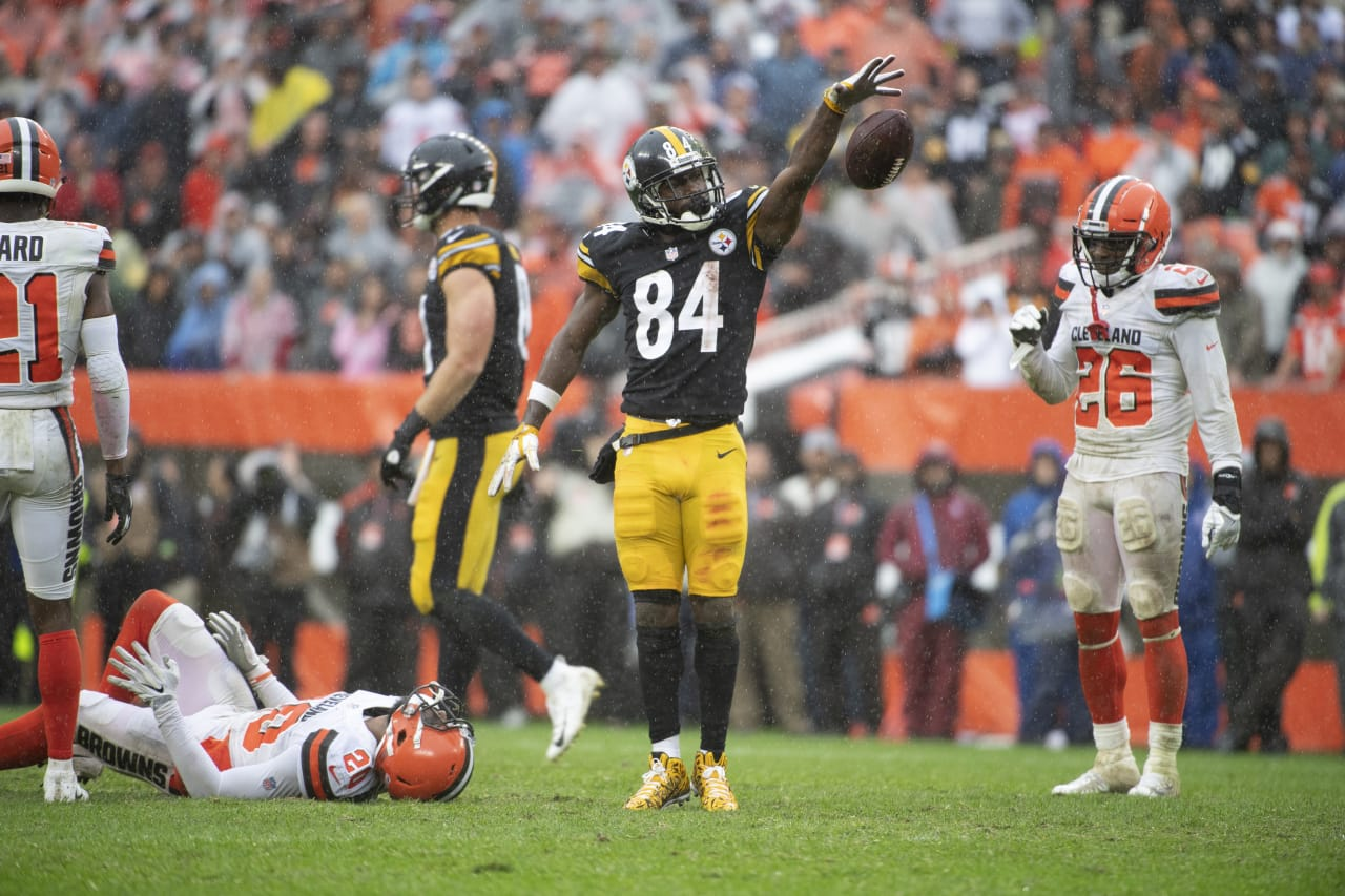 A 2018 Regular Season game between the Pittsburgh Steelers and the Cleveland Browns on Sunday, September 9, 2018.