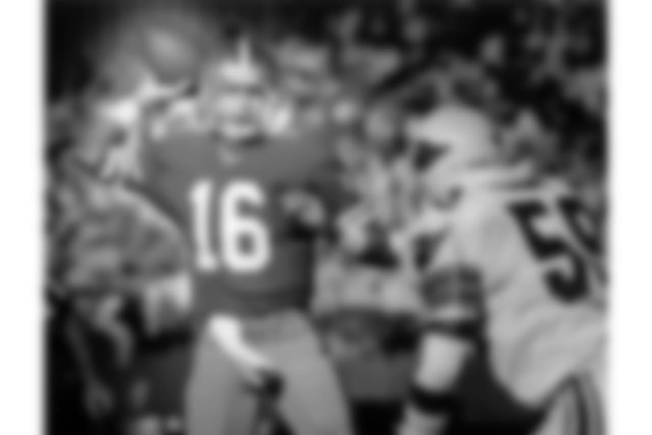 1987 -- 49ers quarterback Joe Montana.