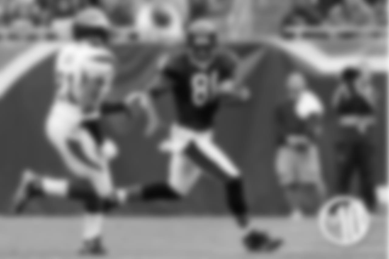 Davis had 88 receptions during his Bears career, including five touchdowns. He was also a key special teams player.
