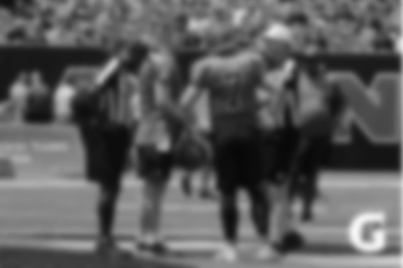 Gatorade-180804-Training_Camp_Family_Dey-Dalton_Barkley_Refs_Coin_Toss