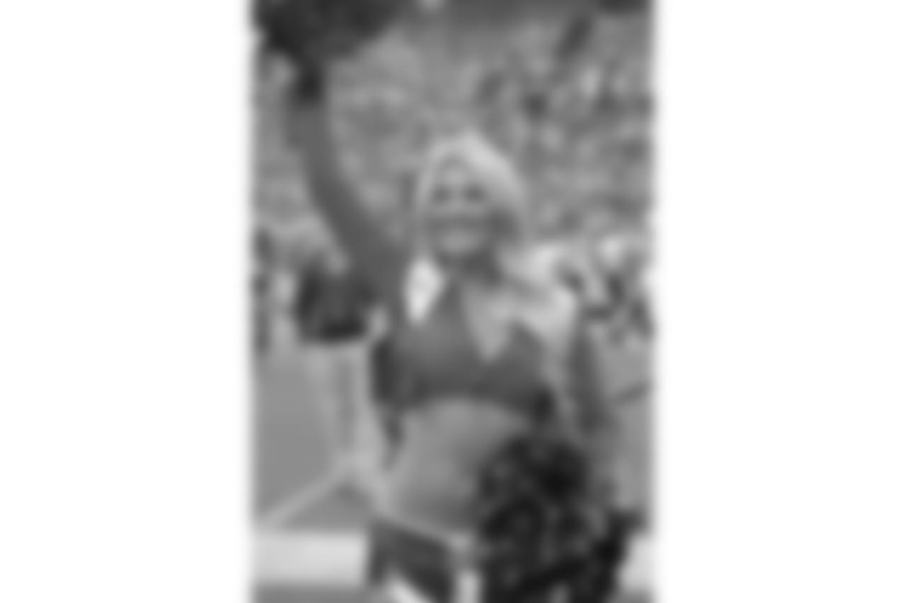 171001, Denver Broncos, Oakland Raiders, 2017  DBC, Cheerleaders  Madison