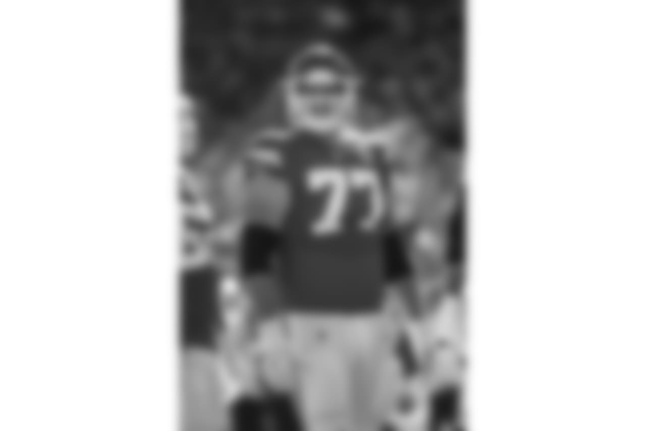 Offensive tackle Andrew Wylie