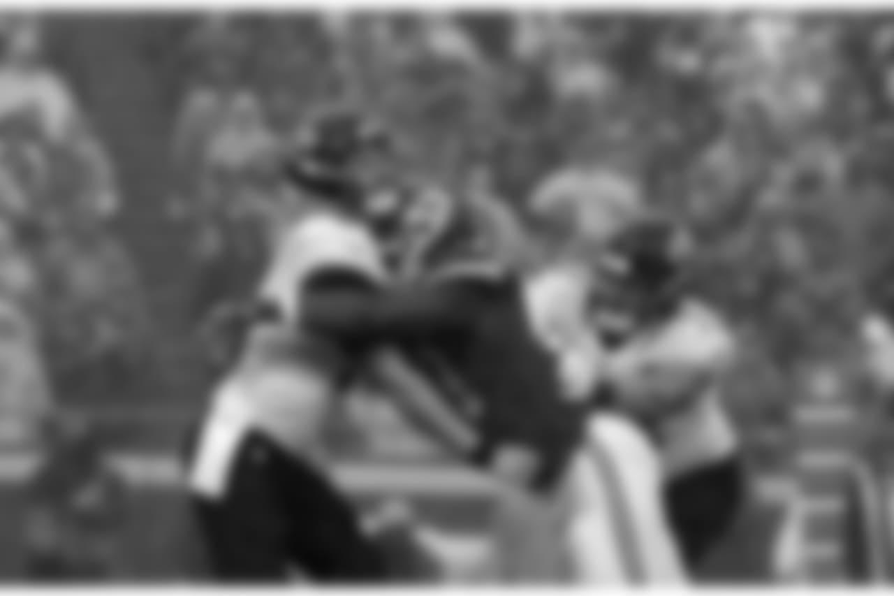 Linebacker Justin Houston
