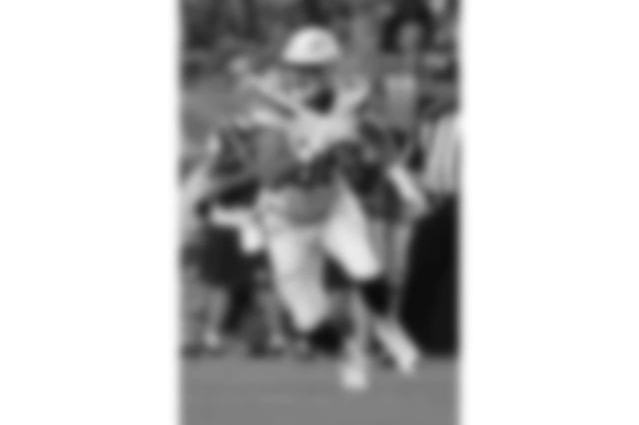 Hunter Henry runs against the Denver Broncos on Mon. Sept. 11, 2017at Broncos Stadium at Mile High.