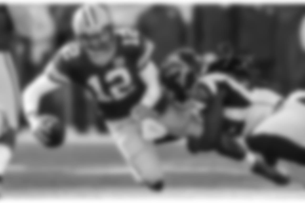LB De'Vondre Campbell  Atlanta Falcons / Kara Durrette