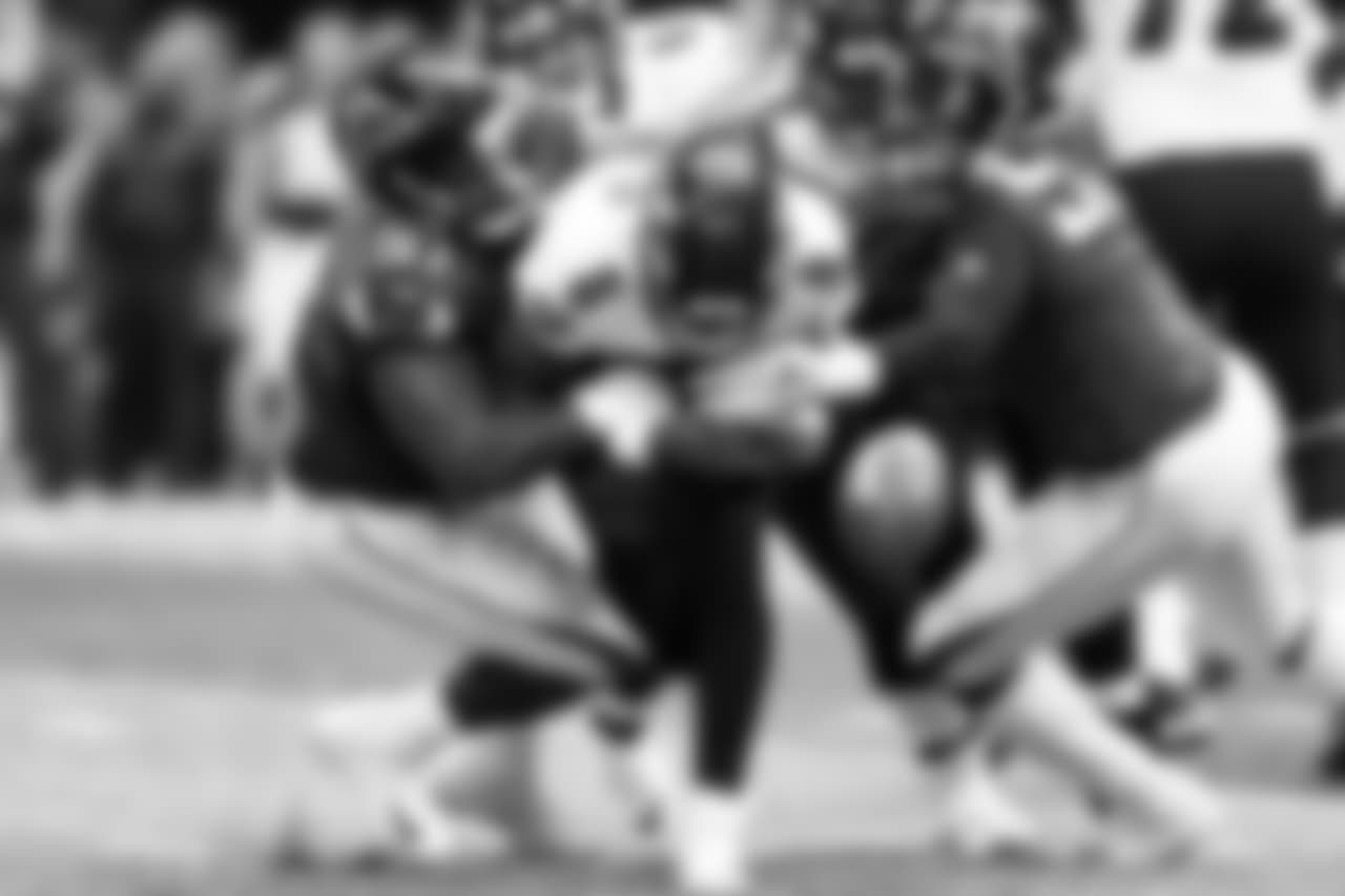 DT Grady Jarrett, DE Takk McKinley force Lamar Jackson to fumble