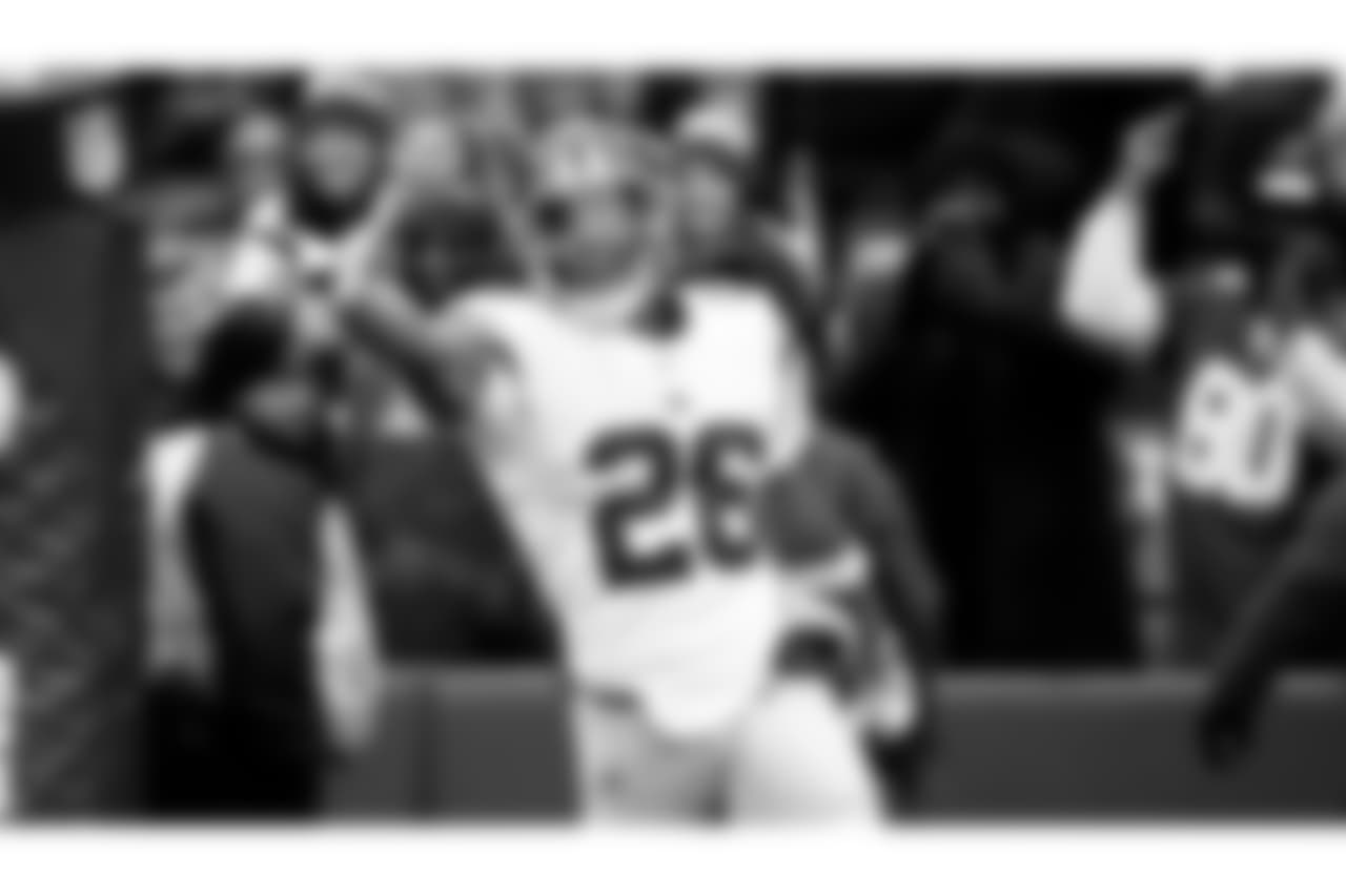 Saquon Barkley – Barkley had 14 carries for a career-high 170 yards and touchdown while also bringing in 4 catches for 27 yards. Barkley now has over 1,000 yards rushing on the year along with the Giants' rookie record for total touchdowns in a season (13).