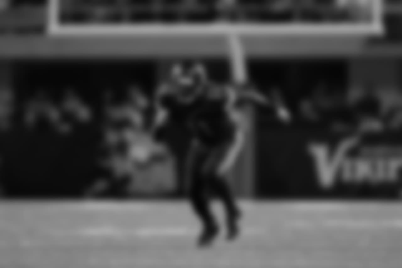 2016) Minnesota Vikings - Laquon Treadwell, WR, Mississippi