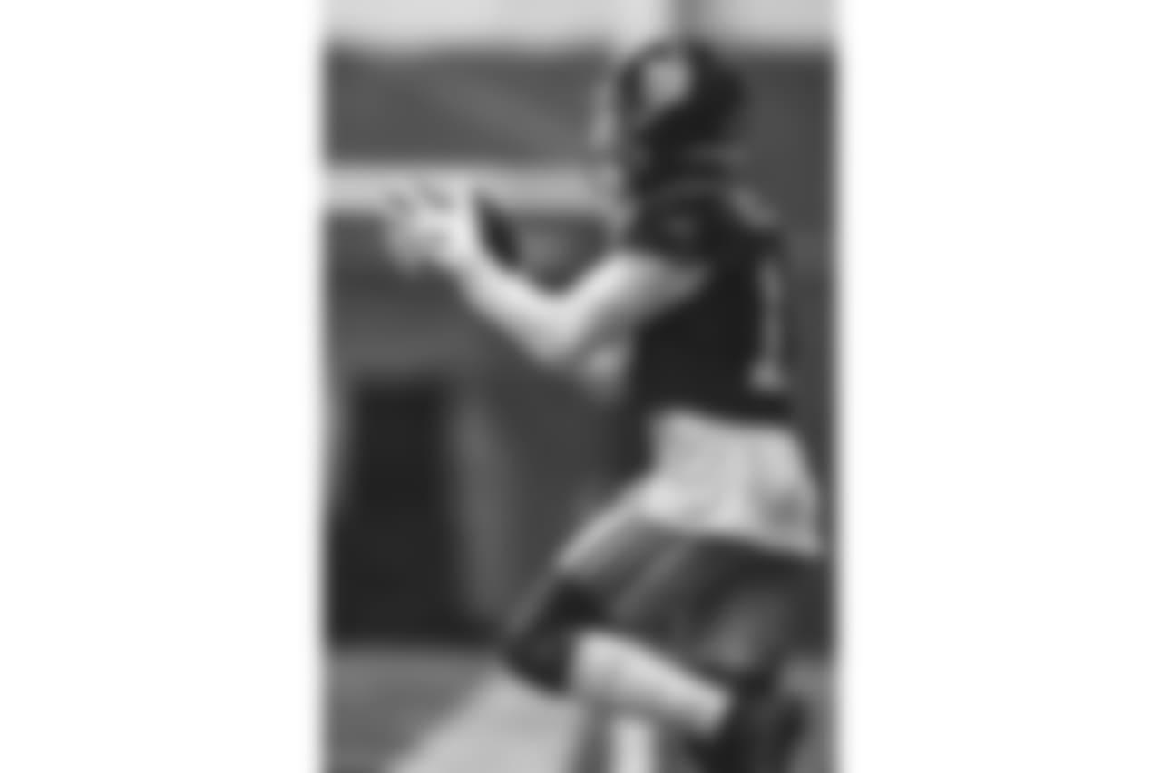 E_18_1115_GiantsPractice006