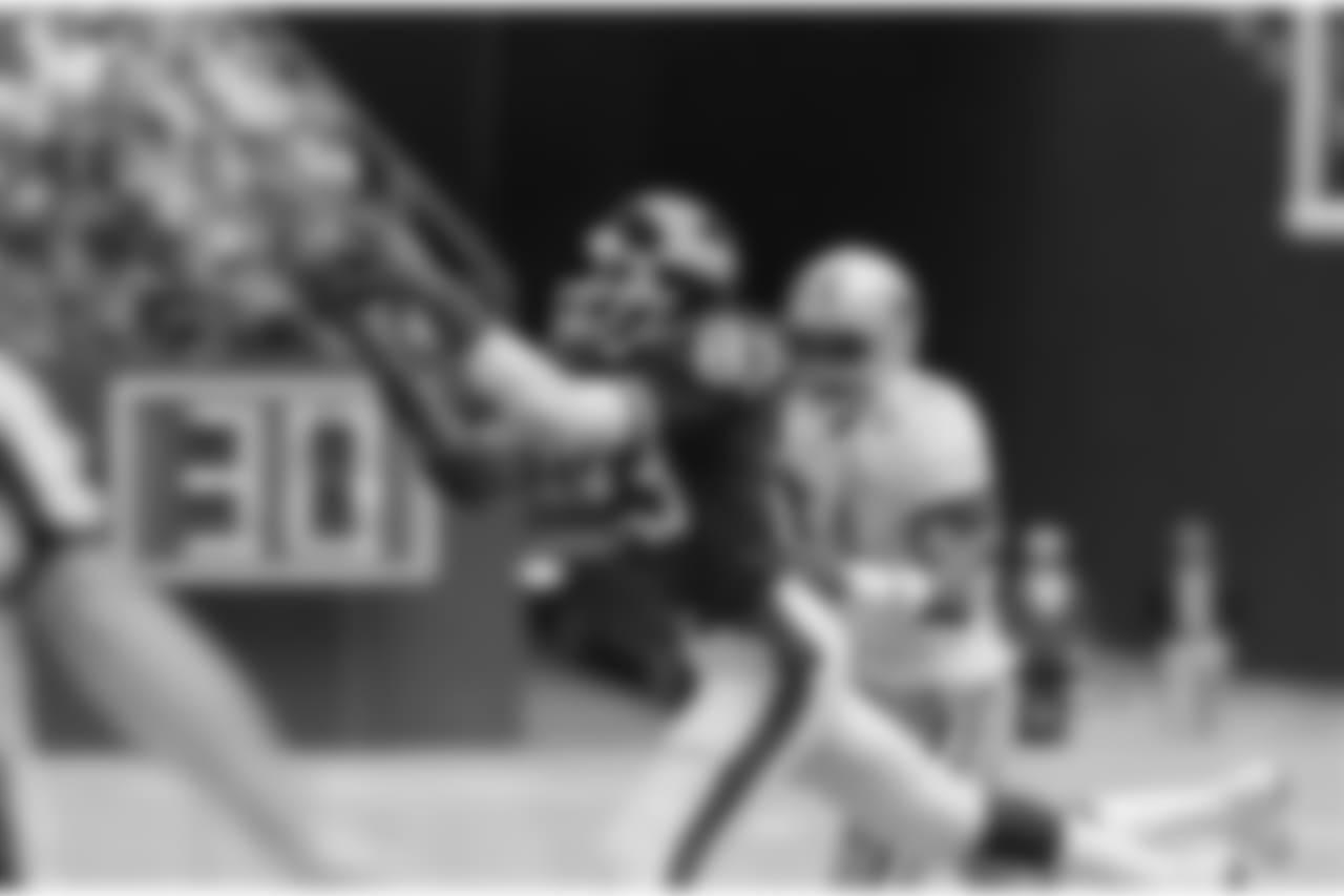 10.) Earnest Gray - 537 receiving yards in 1979