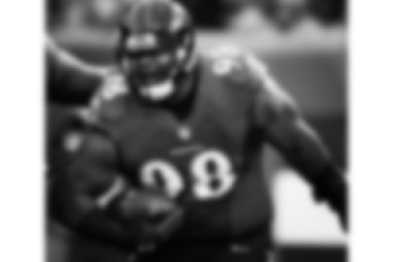 "@brandonw\_66 (Brandon Williams) Thank you to the fans and NFL colleagues who voted for me,"" Williams said in a statement. ""It is an honor to represent the city of Baltimore and the Ravens organization. My wife and I couldn't hold back our tears of excitement and joy to know that after six wonderful years in the NFL, and with God's guidance, we have reached our goal of getting selected to the Pro Bowl! I couldn't be more appreciative and thankful to everyone who has had a hand or vote in getting my dream to come true, and I look forward to playing the game in Orlando. I vowed to myself and to my wife that we could not take a trip to Hawaii until after I went to the Pro Bowl. Honey, pack your bags! #GodisGood #CantStop #WontStop #PRO\_BOWL\_HERE\_I_COME #ImGoingToDisneyWorld #SomebodyStopMe #BigBabyOnDaLoose!!!!!!"
