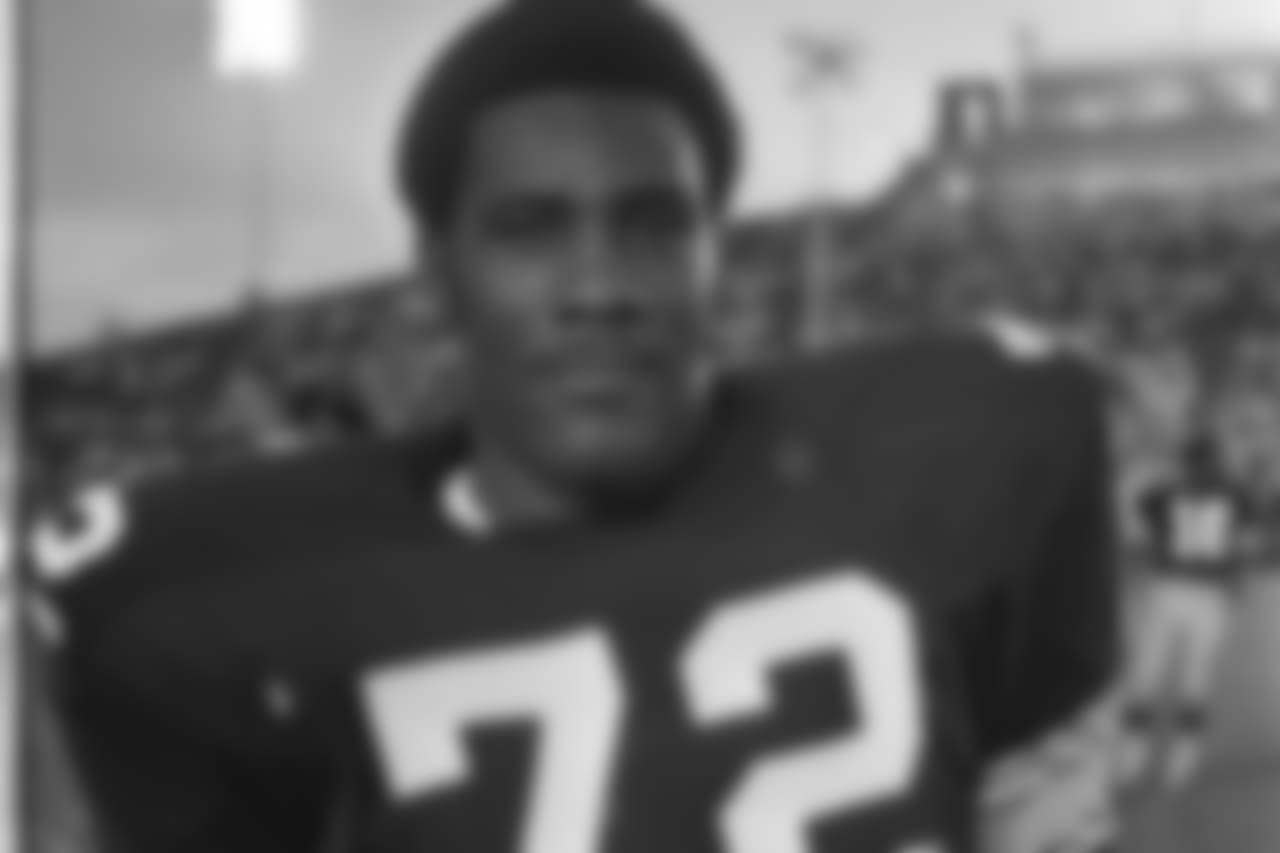 Joe Greene (69) only wore number 72 his rookie year during the preseason. Ken Kortas was cut before the 1969 season began and equipment manager Tony Parisi made the switch giving Joe Greene the Number he wore in high school and college. Joe Greene first appeared wearing number 75 for the regular-season opener against Detroit at Pitt Stadium.