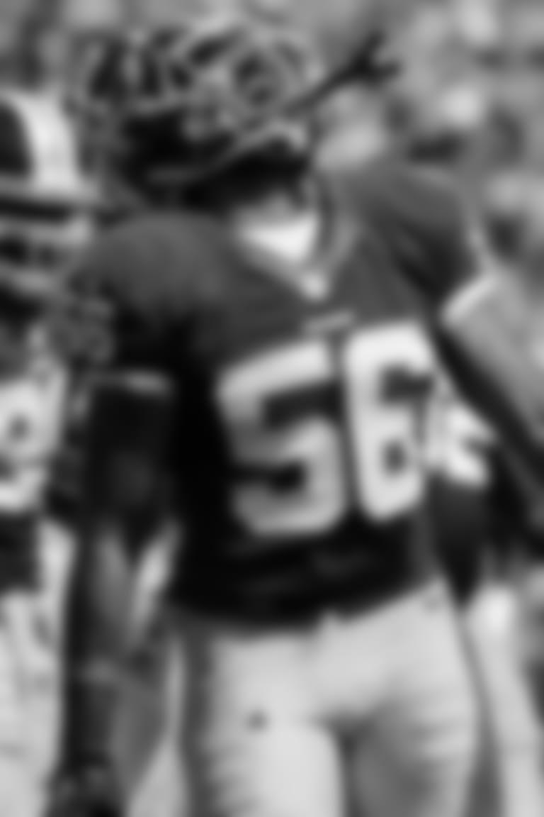 Perry Riley Jr. | Football Academy All-Star Coach*
