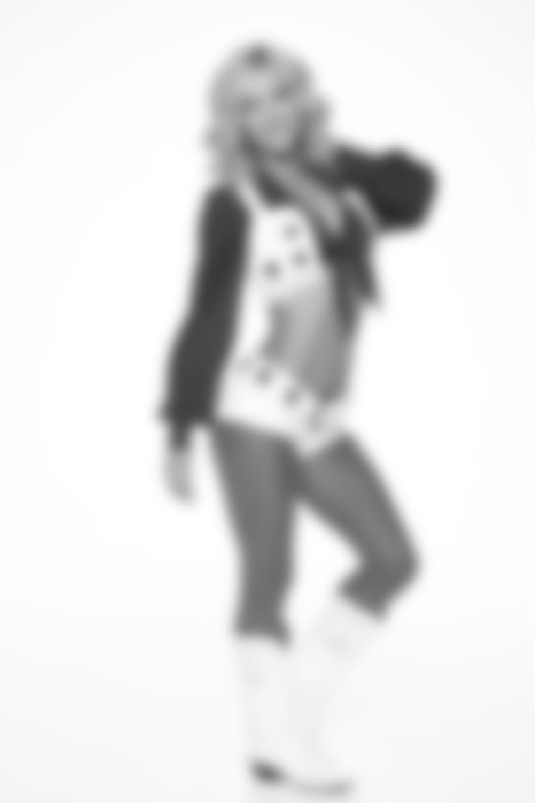AMY-cameo19