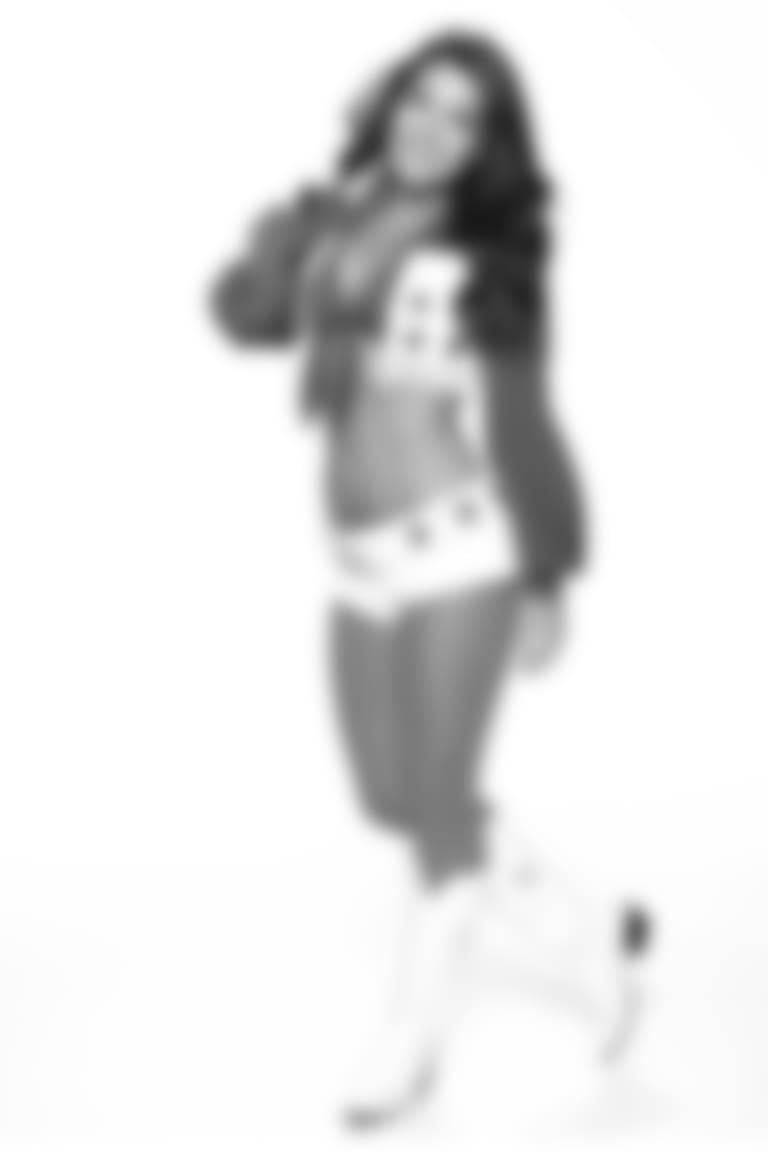 Alexis-cameo18