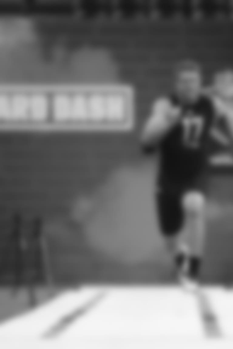 Adam Trautman runs the 40 yard dash at the 2020 NFL Combine.