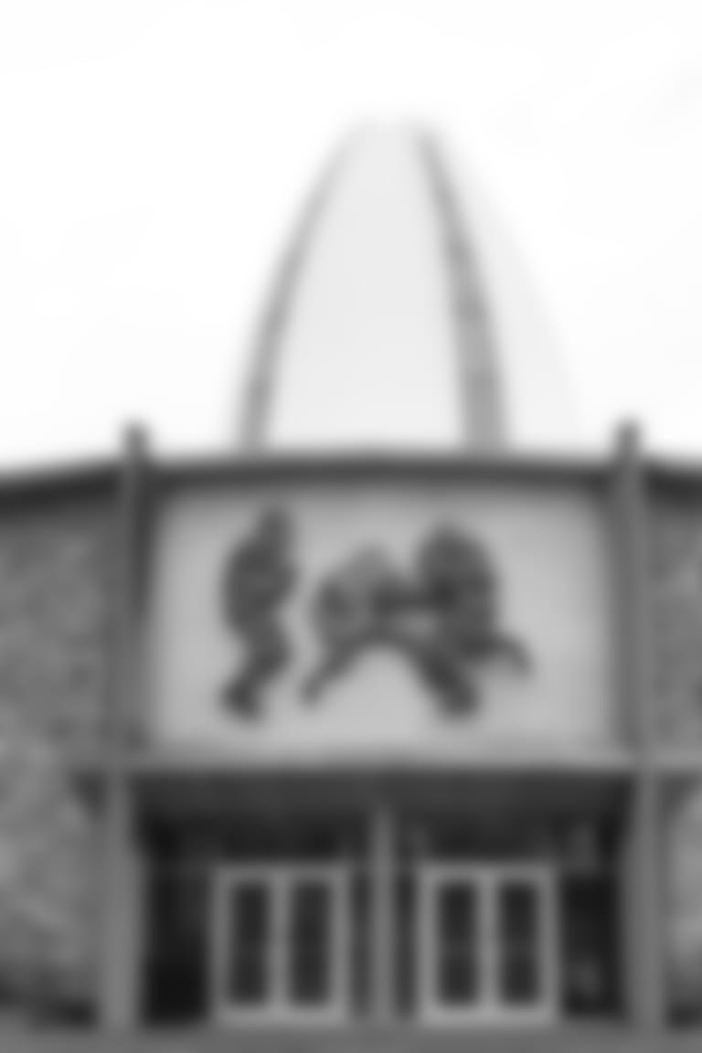 Parallax_Faneca_Alan_HOF_Pro_Football_Hall_of_Fame_Building