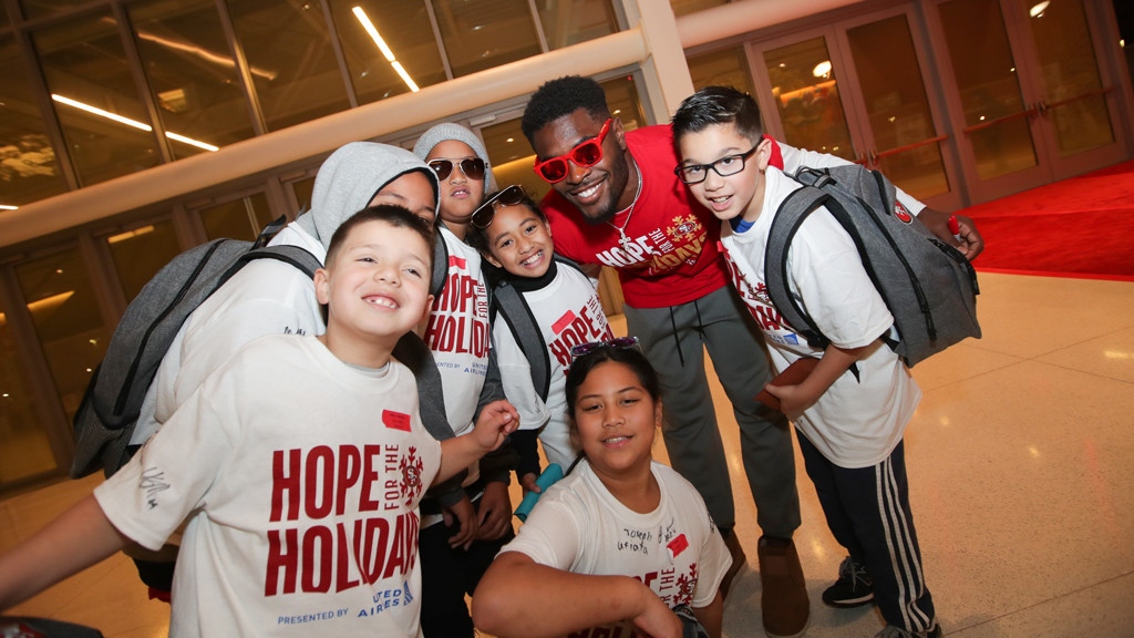 December 10: Hope for the Holidays presented by United Airlines